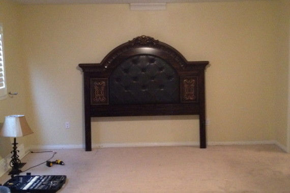 Ugly Carpet Stucco Ceiling Small Baseboard